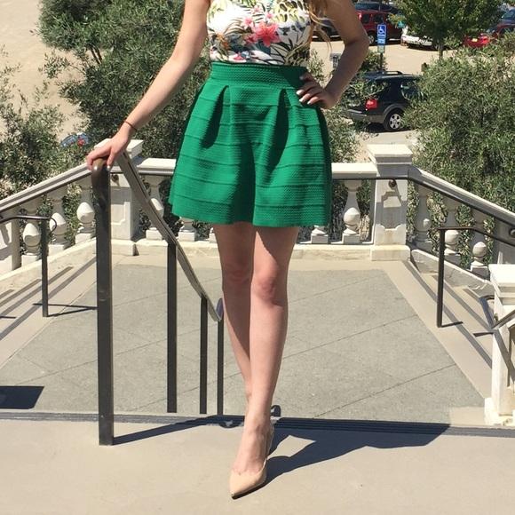 H&M Dresses & Skirts - Emerald green skirt